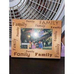 Malden Wood Family Photo Frame